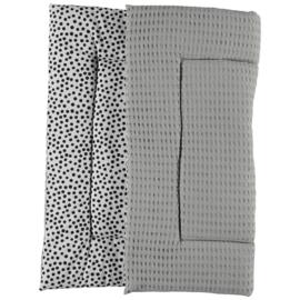 BOXKLEED- Zwart-witte dots met grijze wafelstof