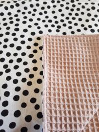 LEDIKANTDEKEN  - Zwart-wit dots met wafelstof naar keuze