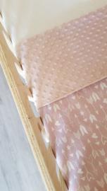 LEDIKANTDEKEN  - Oud roze/wit pijltjes met minky stof naar keuze