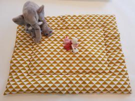 BOXKLEED -  Okergele driehoekjes stof met kleur wafelstof naar keuze