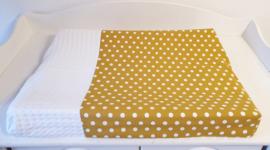 AANKLEEDKUSSENHOES- Okergeel met witte dots met witte wafelstof