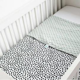WIEGDEKEN - Zwart-wit dots met oud groene minky