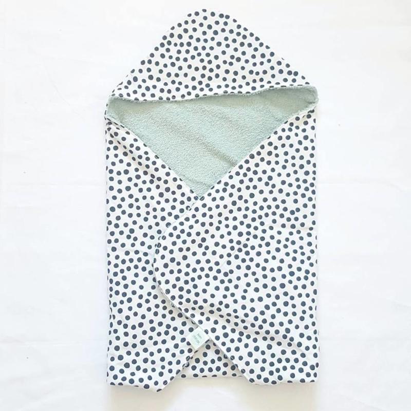 BADCAPE- Zwart/witte dots met oud groene badstof
