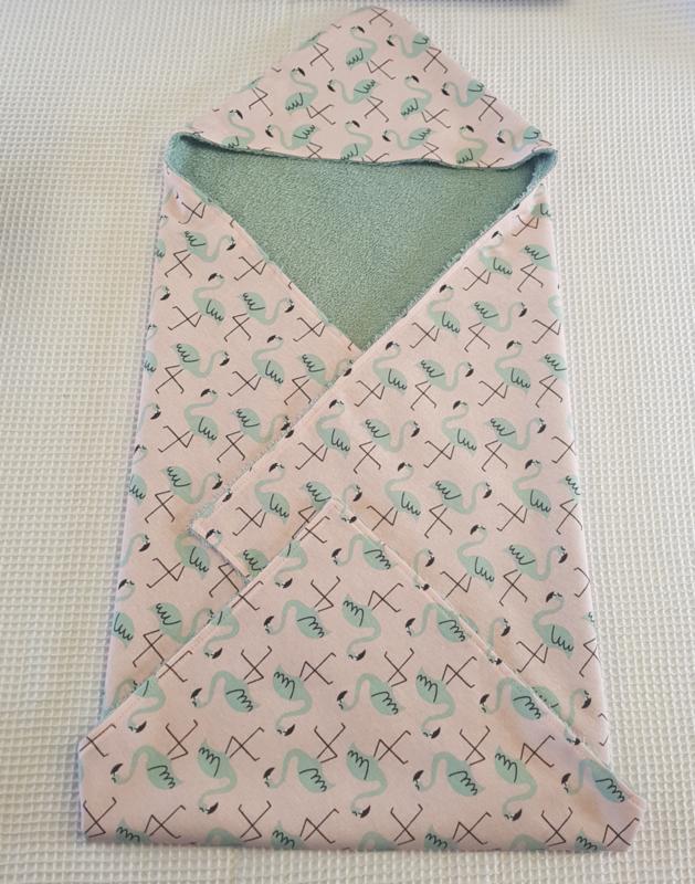 BADCAPE- Flamingo met oud groene badstof