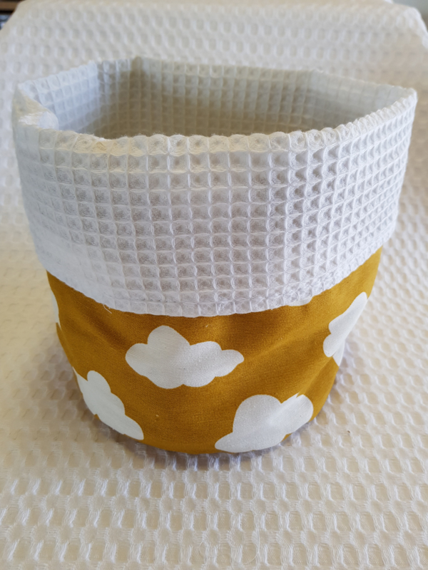 COMMODEMANDJE - Wolken oker met witte wafelstof