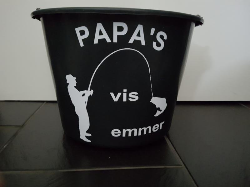 Papa`s visemmer staand