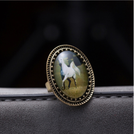 Wit paard ring