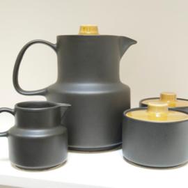 Melita Koffiekan met melkkan en 2 suikerpotten