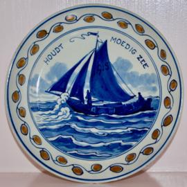 Wandbord Porceleyne Fles 1915 WO1 houdt moedig zee