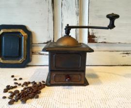 Metalen koffiemolen
