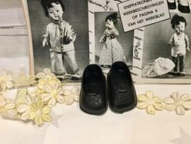 Zwarte poppenschoentjes 6