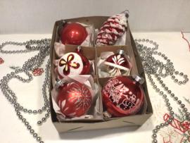 6 kerstballen, roodtinten
