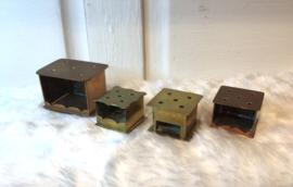 Miniatuur stoofjes van koper