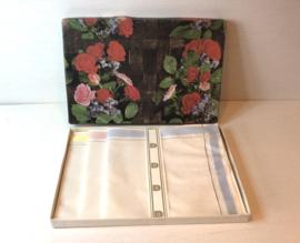 Nostalgisch doosje met linnen zakdoeken