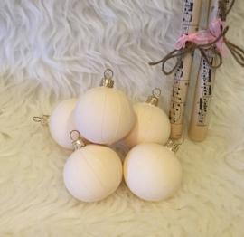Witte kerstballen, 5 stuks