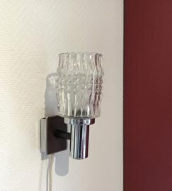 Vintage wandlampje met glazen kapje