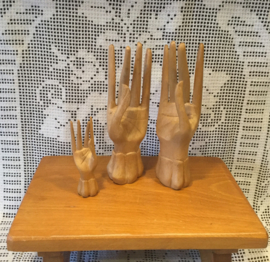 Houten handen, Mudra's
