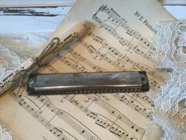 Oude mondharmonica, Traviata