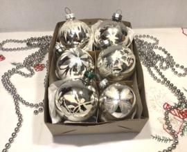 6 kerstballen
