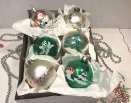 6 kerstballen, groene accenten