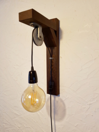 Unieke lamp op katrol