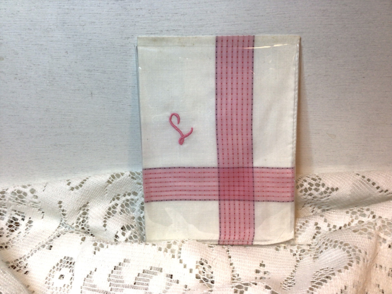 Katoenen zakdoekje met initiaal