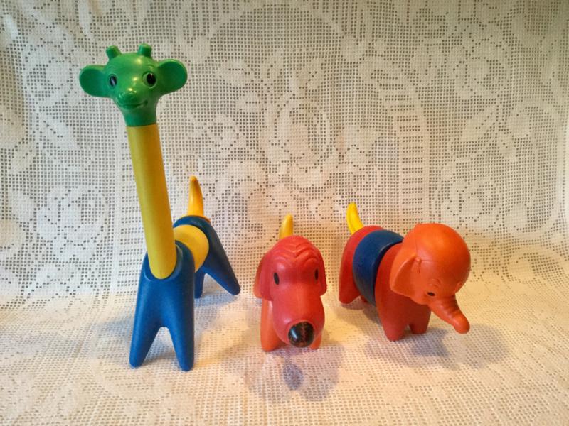 Tupperware Zoo-it-yourself