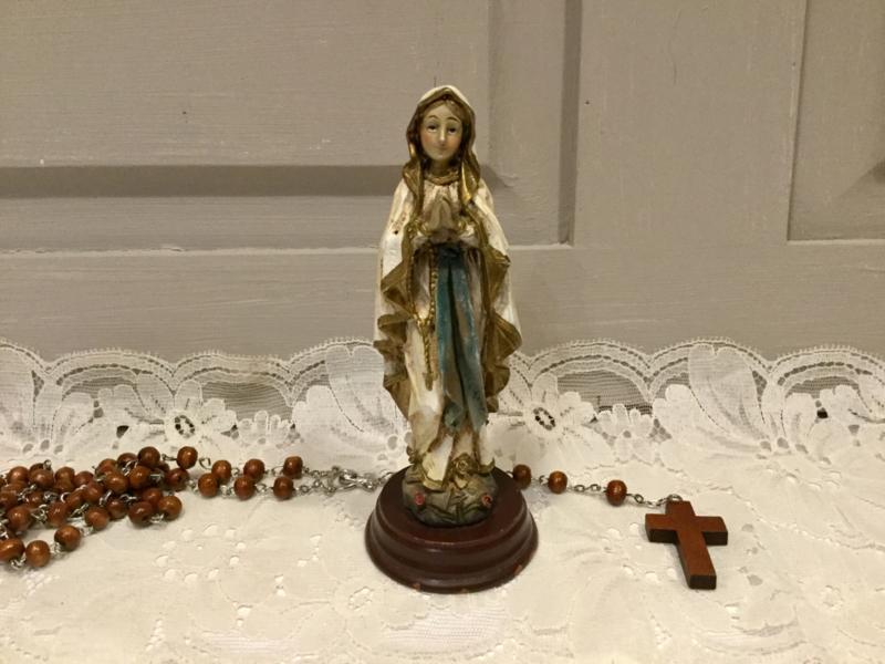 Maria beeldje