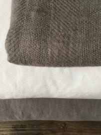 Jacquard geweven plaid gemaakt in Frankrijk vervaardigd uit 100% Frans ecologisch hennep, vanaf