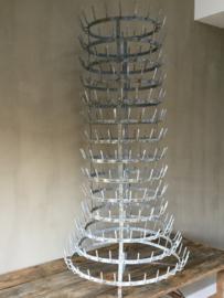BU20110019 Grote oude Franse Porte Bouteille (afdruiprek voor 304 flessen), hoogte ca. 150 cm, alleen ophalen