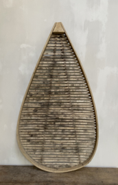 OV20110784 Oude Franse claie à pruneaux typerend voor de streek Perigord, een droogrek voor pruimen... zeer decoratief en in prachtige staat! Afmeting: 107 cm. hoog / 57 cm. breed (over breedste gedeelte) Alleen ophalen!