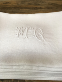 LI20110023 Set van 10 oude Franse servetten van damast met sierlijk monogram ~M C ~ in perfecte staat! Afmeting: 88 x 72 cm.