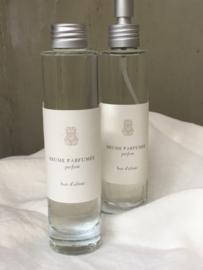 Roomspray Bois d'Olivier 100 ml. Eeuwig en majestueus, getuige van onze geschiedenis. Frisse geur, tegelijkertijd houtachtig en mystiek