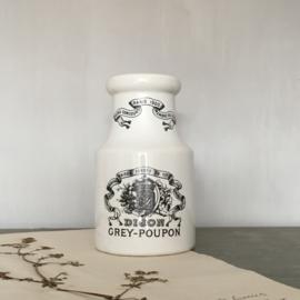 AW20110841 Grote Dijon Grey-Poupon mosterdpot in perfecte staat! Afmeting: 17 cm. hoog / 10 cm. doorsnede