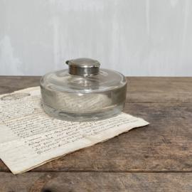OV20110774 Grote oude Franse inktpot van mond geblazen glas in prachtige staat! Afmeting: 5 cm. hoog (tot het dekseltje) / 12 cm. doorsnede