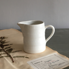 AW20110855 Klein oud Belgisch bandenkannetje stempel - Boch la Louvière - periode: 1950-1959 in prachtige staat! Afmeting: 9,5 cm. hoog / 6,5 cm. doorsnede