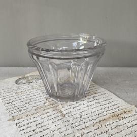 OV20110783 Antiek Frans confiturepotje van mondgeblazen glas in prachtige staat! Afmeting: 8,5 cm. hoog /  11 cm. doorsnede