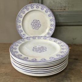 """AW20110535 Set van 10 antieke Engelse borden met paars/blauw motief stempel - Bates Brown Westhead & Moore """" Italie"""" periode: 1860 in prachtige staat! Sommige zijn licht beboterd. Afmeting: 23,5 cm. doorsnede."""