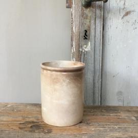 AW20110540 Antieke Franse beboterde zalfpot in prachtige staat! Afmeting: 11,5 cm. hoog / 9 cm. doorsnede.