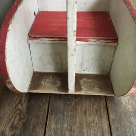 OV20110564 Oud Frans kinderwip/schommelstoeltje in de vorm van een zwaan...in prachtige originele sleetse kleuren en staat! Afmeting: 62 cm. lang / 63 cm. hoog / 32 cm. breed. Ophalen of  verzending via koerier mogelijk (prijs op aanvraag)