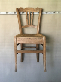 OV20110666 Antique French farmer's chair with wicker seat in beautiful condition! Size: 84 cm. high / 39.5 cm. wide / seat height 44 cm. Pickup only!