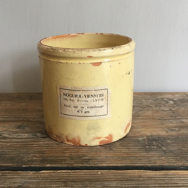 AW20110605 Old French confiture jar in soft yellow marked NV and still with label in beautiful condition! Size: 9 cm. high  /. 9.5 cm. cross section.