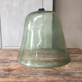 OV20110637 19de eeuwse Zuid-Franse meloen cloche van mondgeblazen glas in perfecte staat! / Afmeting: 36 cm. hoog / 41 cm. doorsnede. Alleen ophalen.