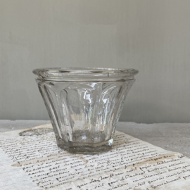 OV20110751 Antique French mouth-blown confiture jar in perfect condition! Size: 9 cm. high / 11.5 cm. cross section