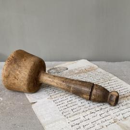 OV20110752 Oude Franse houten stamper, mooi doorleefd.... Afmeting: 19,5 cm. lang / 8 cm. doorsnede