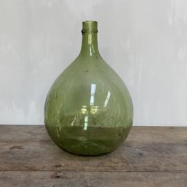 """OV20110767 Kleine oude Franse mond geblazen (in mal) wijnfles """"dame Jeanne"""" met de traditionele afgeslagen hals in prachtige staat! Afmeting: +/- 34,5 cm. hoog / 21,5 cm. doorsnede (over de buik)"""