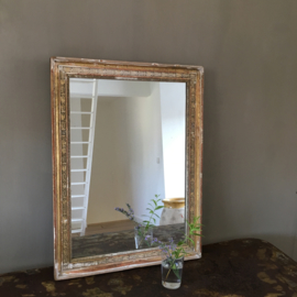 OV20110513 Antique French mirror with wooden frame decorated with beautiful plaster ornaments. The list is in beautifully weathered condition! Dimensions: 65 cm. high / 48 cm. wide / 4.5 cm. fat. Pickup only.