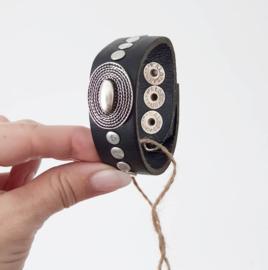 Waitz armband black 25mm