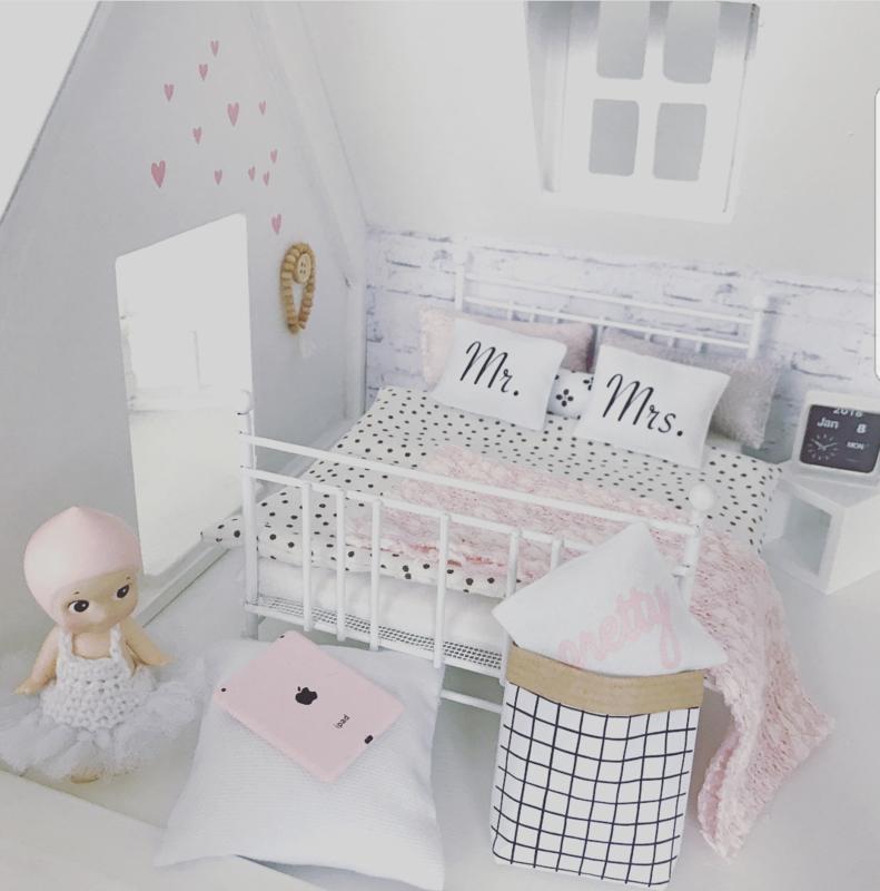 Dollhouse paperbag Grid
