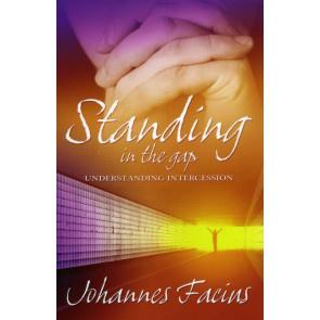 Standing in the Gap, Johannes Facius. ISBN:9781852404383